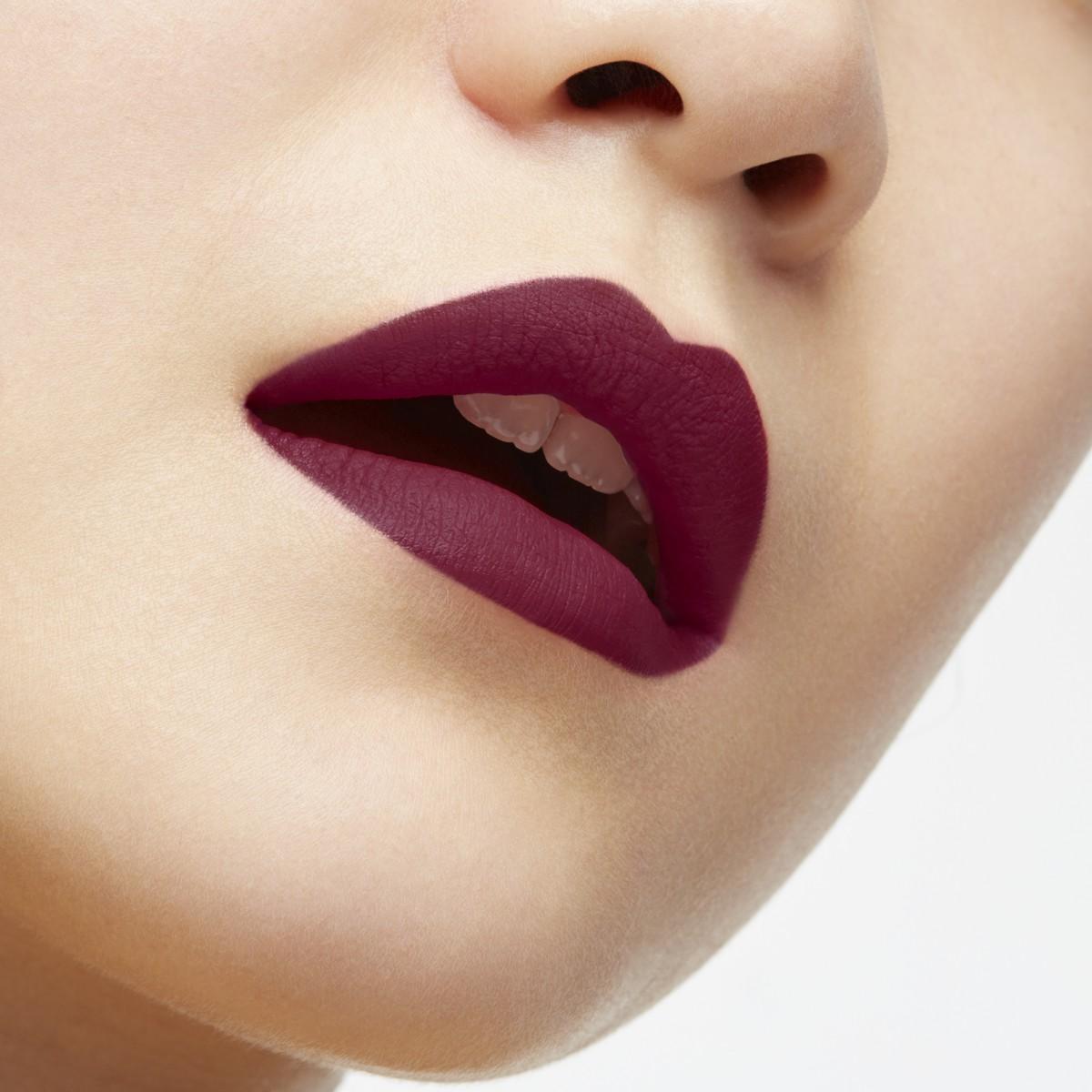 Beauty - Eton Moi Velvet Matte - Christian Louboutin