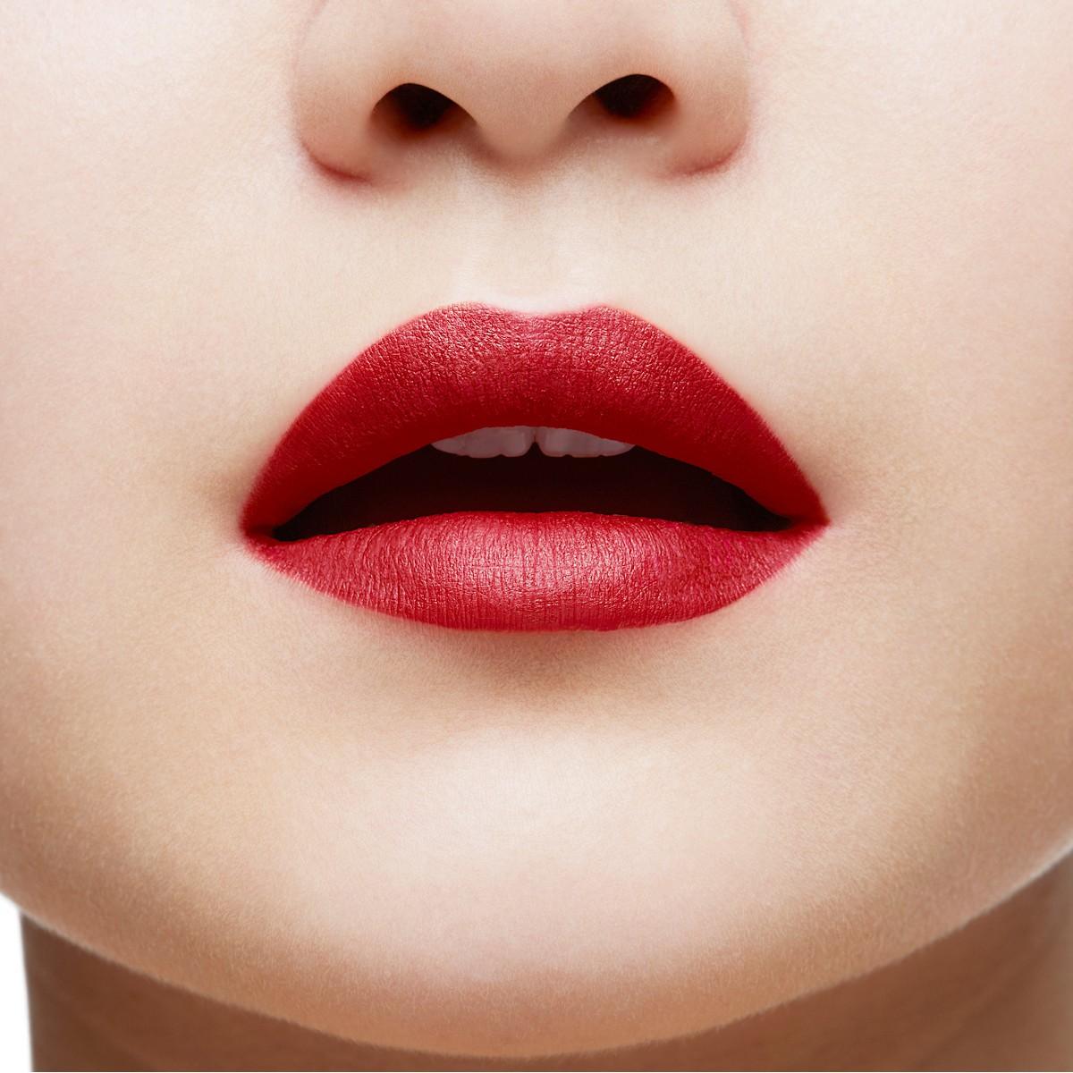Beauty - Aimanta Matte Fluid Lip Colour - Christian Louboutin